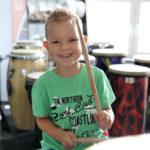 Kinder lernen online Schlagzeug spielen für Kinder