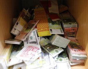 Geld2-300x235 in Der Vietnamesenmarkt in Lichtenberg