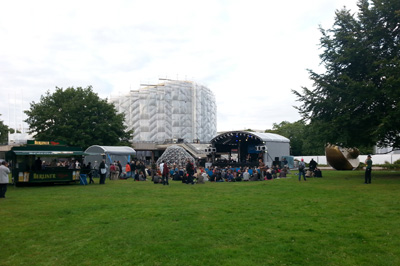 2 in Wassermusik Open Air Festival im HKW in Berlin