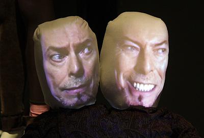 """Installation des Videokuenstlers Tony Oursler - Ausstellung """"David Bowie"""", Martin Gropius-Bau, 19. Mai 2014, Berlin-Tiergarten."""